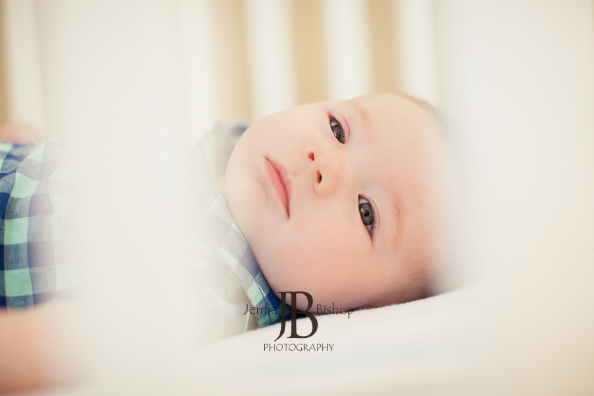 looking through the crib mesa newborn photographer
