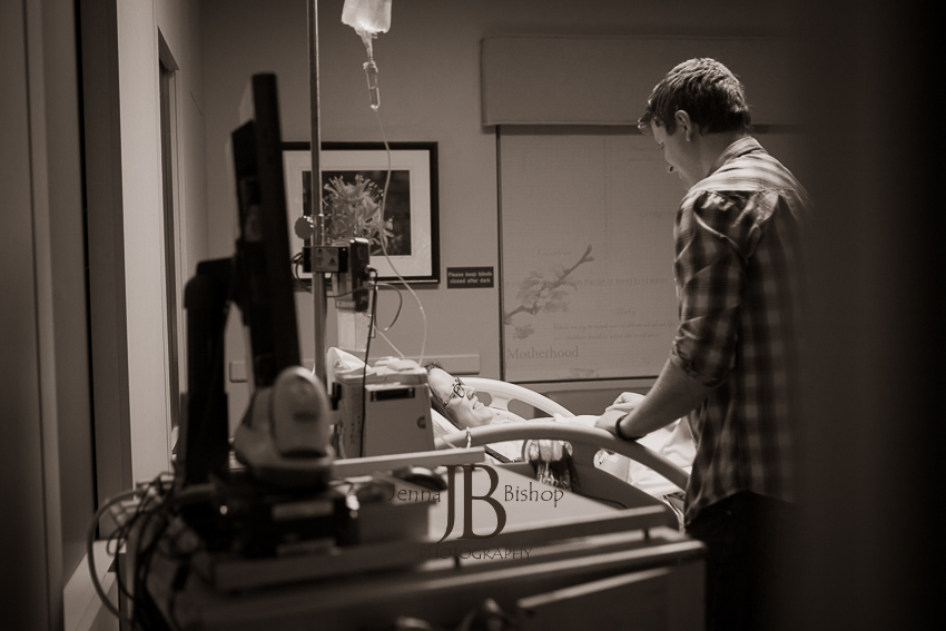 smiling during labor birth photography