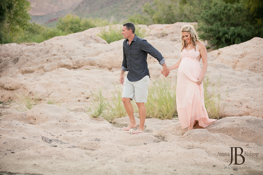 barefoot maternity photos